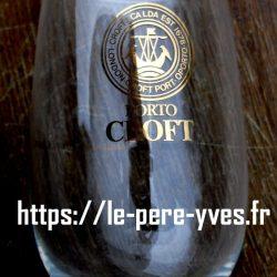 verre à pied à porto croft détail
