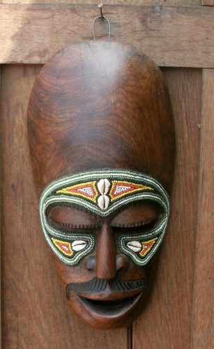 masque africain moustache sculpture bois. Black Bedroom Furniture Sets. Home Design Ideas
