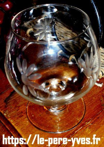 verre à digestif ballon gravé demi fleur biais