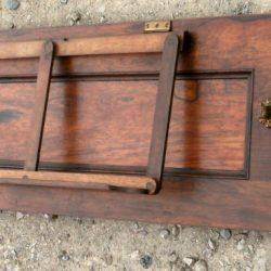 haut de piano brun coté