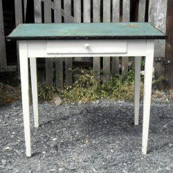 table de cuisine à tiroir face
