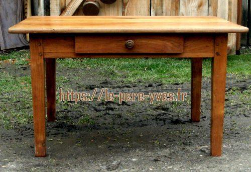 table de salon à l'ancienne face