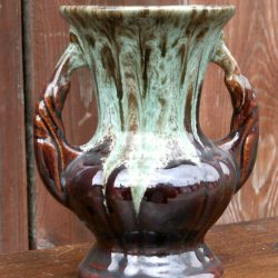vase foreign