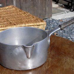 casserole alu manche cordé coté