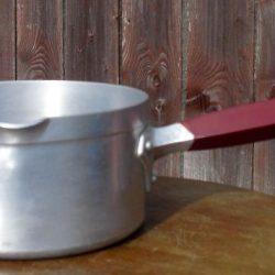casserole alu manche bakélite coté