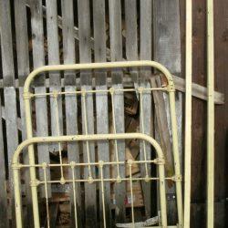 lit fer jaune démonté
