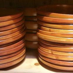 assiettes plates en grès à bord haut atelier