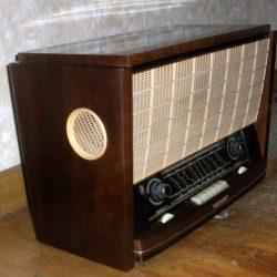 radio voix de son maitre biais gauche