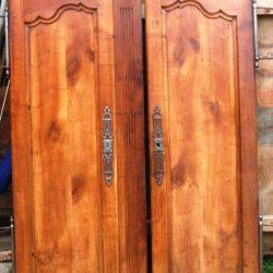 portes vieille armoire avant
