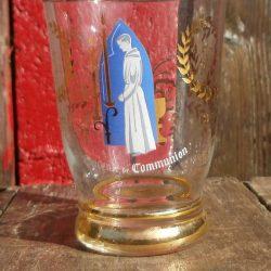 verre souvenir de communion fond bleu bas face