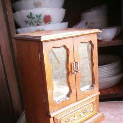 armoire à bijoux avec tiroir biais