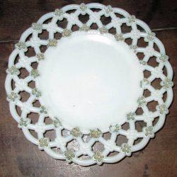 assiettes crénelées avec dorure