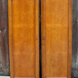 portes d'armoire claires recto