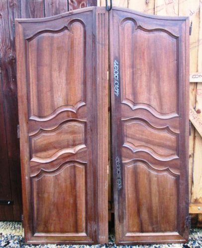 portes de grande armoire ancienne. Black Bedroom Furniture Sets. Home Design Ideas