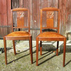 chaises tapissées ocre roux