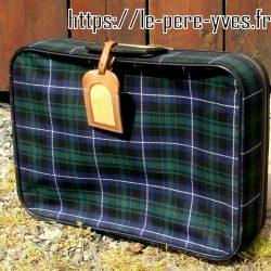 valise écossaise debout