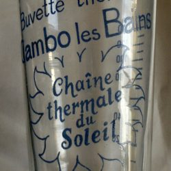 verre buvette thermale cambo