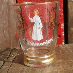 verre souvenir de communion fille face