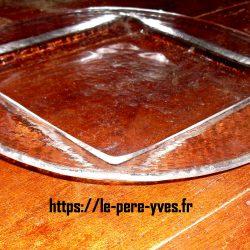 assiettes grandes sous rond carré biais