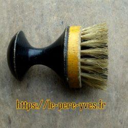brosse du barbier coiffeur coté