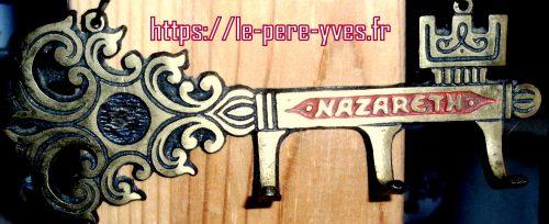clefs de nazareth de près