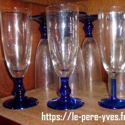 flutes bleues pied boule atelier