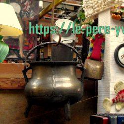 marmite à trépied en régule atelier