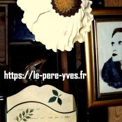 range courrier bois peint atelier