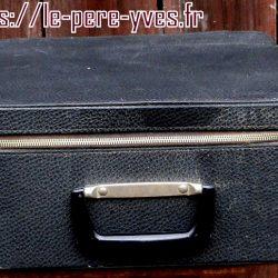 valise de monica à plat