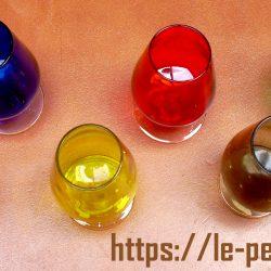 verres à digestif colorés avion