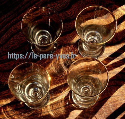 verres à pernod dorés avion